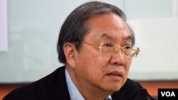 香港民主動力創會召集人鄭宇碩 (美國之音湯惠芸)