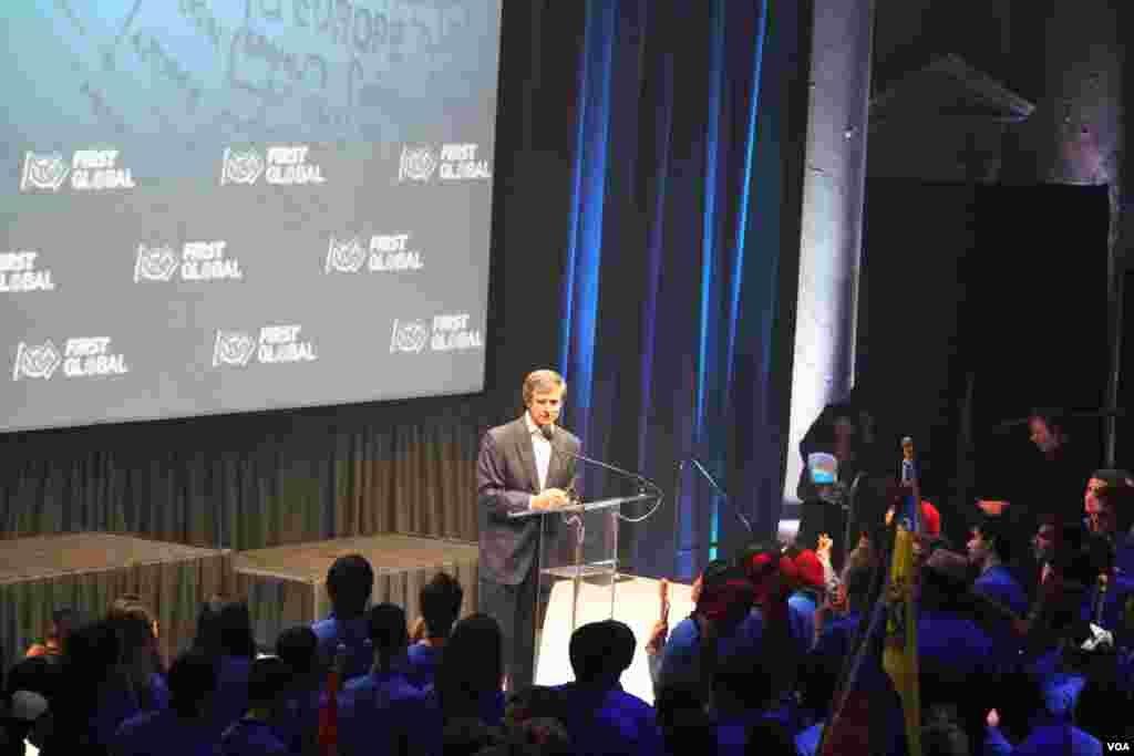 Joe Sestak, president of First Global talks during the opening of the First Global Challenge robotics competition in Washington, DC, Sunday, July 16, 2017. (Nem Sopheakpanha/VOA Khmer)