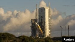 Serangkaian masalah menunda peluncuran kapsul Orion dari kompleks Cape Canaveral di Florida (4/12).
