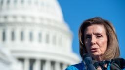 Ketua DPR Nancy Pelosi berbicara pada konferensi pers pada 24 September 2021, di luar US Capitol di Washington. DC. (Foto: AFP)