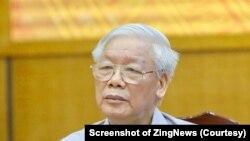 Tổng bí thư, Chủ tịch nước Nguyễn Phú Trọng nghe ý kiến của cử tri. (Ảnh Ngọc Thắng chụp từ màn hình Zing News)