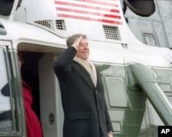 里根总统离职后向公众告别