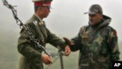 رپورٹس کے مطابق چین نے پینگونگ سو اور گلوان وادی میں 2500 فوجی اہلکار تعینات کیے ہیں۔ (فائل فوٹو)