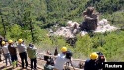 북한은 지난해 5월 풍계리 핵실험장 갱도 폭파 장면을 외국 기자들에게 공개했지만, 국제적 검증은 허용하지 않고 있다.