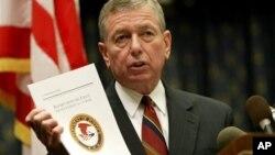 Ешкрофт не може да биде суден за случај на приведување од 2003