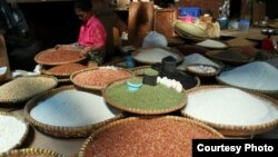 Penjual beras di Tana Toraja.