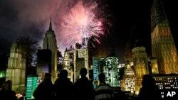 آرشیو - آتش بازی شب سال نو در نیویورک سیتی