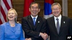 ລັດຖະມົນຕີການຕ່າງປະເທດສະຫະລັດ ທ່ານນາງ Hillary Clinton (23 ກໍລະກົດ 2011)