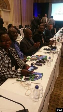 Amagqwetha enza umhlangano kwele Botswana.