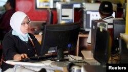 کوالہ لمپور کا ایک سائبر کیفے، انٹرنیٹ کی سہولت