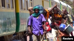Des passagers du train Dakar-Niger