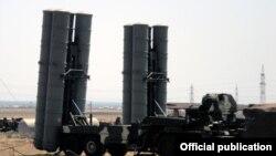 """S-300 """"Favorit"""" zenit raket kompleksləri hərbi hissəsində təlim"""