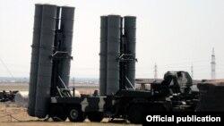 Российская система противовоздушной обороны С-300 (архивное фото)
