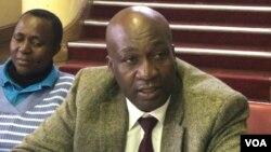 UDictor Khumalo, obona ngezakhiwo lokunye okutshiyeneyo koBulawayo. (Photo: Joseph Njanji)