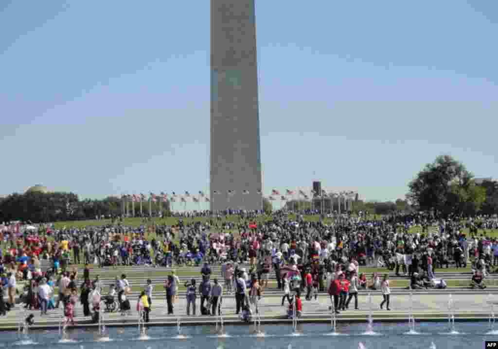 Сторонники президента Обамы провели митинг в центре Вашингтона