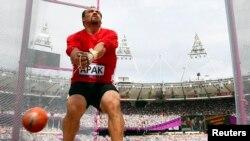 Atlet pelempar martil Turki, Esref Apak saat berlaga di Olimpiade London 2012, 3 Agustus 2012 (Foto: dok).