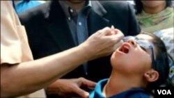 تنها با دو قطره واکسین حیات کودکان تان را از فلج دایمی نجات دهید.
