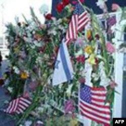 قدردانی سربازان پایگاه نظامی فورت هود از شرکت پرزیدنت اوباما در مراسم یادبود قربانیان حادثه تیراندازی