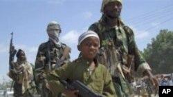 Q.M: Shabaab Waxay Askareysaa Caruur