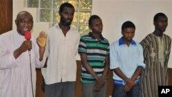 Wadanda ake zargin cewa 'Yan Kungiyar Boko Haram ne sun hada da Muhammad Nazeef Yunus, da Umar Musa, da Mustapha Yusuf, da Ismaila Abdulazeez, da kuma Ibrahim Isa.