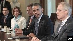지난해 7월 의회 지도부와 연방정부 부채 상한 증액 문제를 논의하는 바락 오바마 미 대통령 (자료사진)