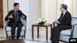 Башар Асад и Роберт Форд (архивное фото)
