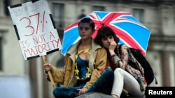 Demonstrators take part in a protest aimed at showing London's solidarity with the European Union following the recent EU referendum, inTrafalgar Square, central London, Britain, June 28, 2016.