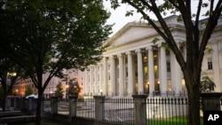 نمایی از ساختمان وزارت خزانه داری (دارایی) ایالات متحده آمریکا در شهر واشنگتن