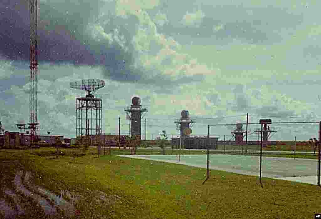 Các đài radar đặt tại tiểu bang Florida theo dõi các hoạt động quân sự ở Cuba trong ảnh chụp năm 1968