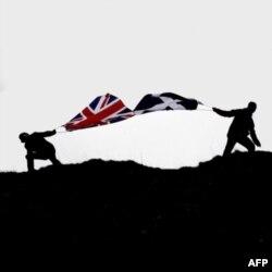 İngiltere İskoçya'nın Bağımsızlığını Önlemek İstiyor