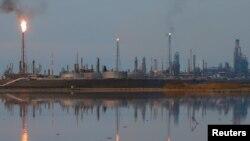 Los inventarios decombustibledeVenezuelahan ido disminuyendo esta semana debido a que las refinerías locales producen poco y PDVSA enfrenta complicaciones relacionadas a las nuevas sanciones de EE.UU.