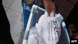 Các bao bì bằng plastic đem đốt thì chúng cháy thành khí dioxin, là khí độc hại mà Việt Nam đã kiện Hoa Kỳ trong chiến dịch da cam