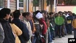 Безработица охватила весь мир