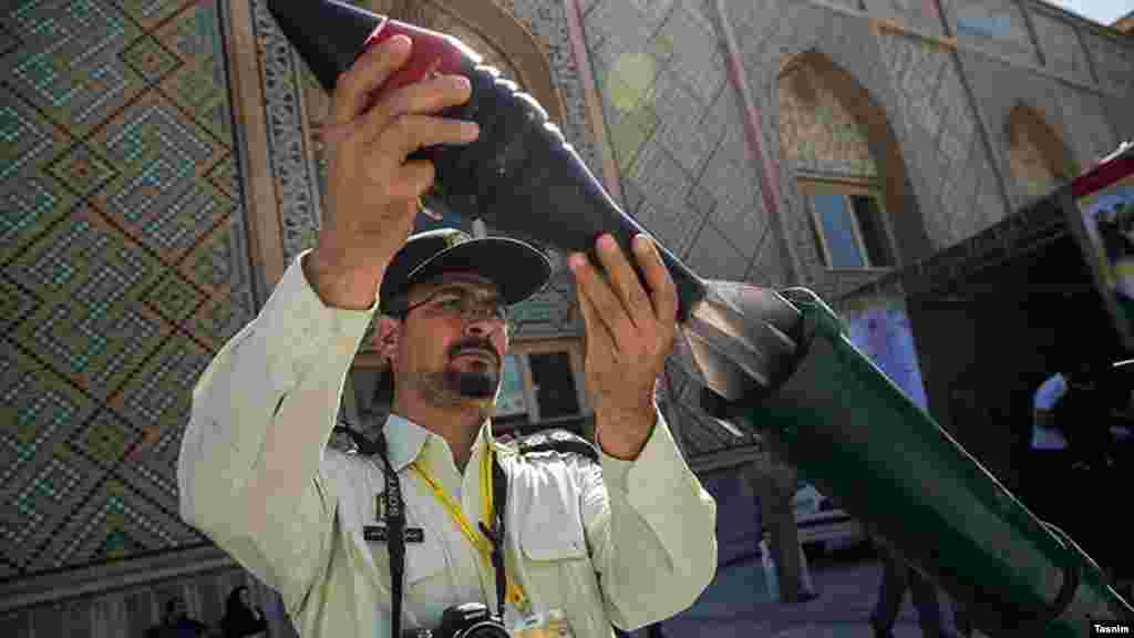 نمایشگاه لوازم و تجهیزات پلیسی، ایمنی و امنیتی در مصلای تهران. عکس: محمد حسنزاده