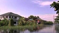 Bangkok Airport Hosts Huge Flood Relief Effort
