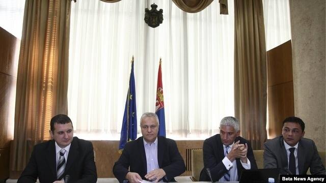 Ministar finansija i privrede Srbije Mladjan Dinkic sastao se sa predstavnicima kompanija u Srbiji koje su najveci izvoznici