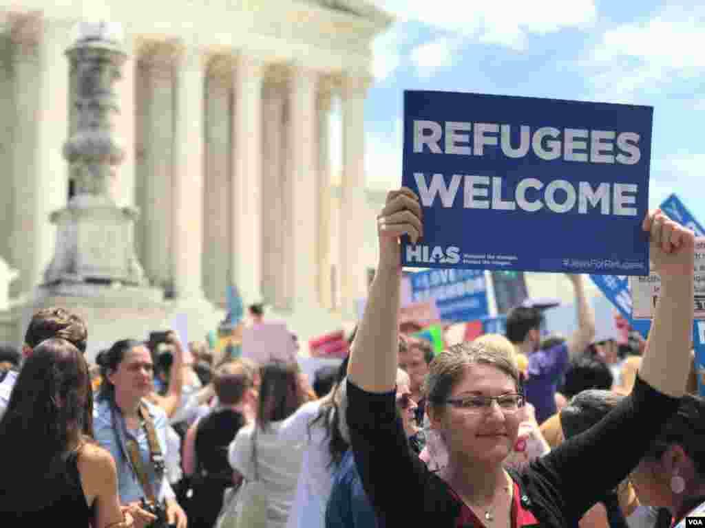 په امریکا کې په مهاجرت باندې د لگول شویو محدردیتونو پر ضد مظاهرې