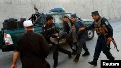 طالبان نے کابل دھماکے کی ذمہ داری ایسے وقت میں قبول کی جب امریکہ اور طالبان کے درمیان امن مذاکرات فیصلہ کن مرحلے میں داخل ہوچکے ہیں۔ (فائل فوٹو)