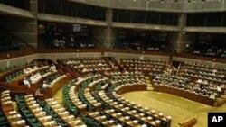 Cadeira vazia não vale - diz MPLA