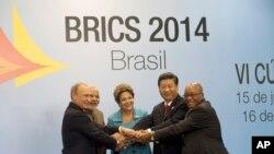 Lideri zemalja članica BRIKS-a za vreme samita u Brazilu, 15. jula 2014.
