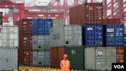 Ekspor Tiongkok terus meningkat dengan berbagai negara dunia. Inggris akan melipatgandakan kerjasama perdagangan dengan Cina sebelum tahun 2015.