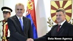 Predsednici Srbije i Makedonije, Tomislav Nikolić i Djordje Ivanov, tokom susreta u Skoplju, 26. oktobar 2012.