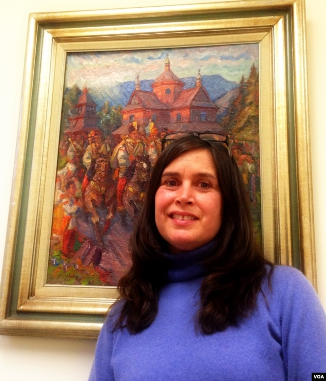 Tamara Olexy in her New York office at the Ukrainian Congress of America, an umbrella group that represents the estimated one million or so Americans of Ukrainian descent that live in in the U.S. (Adam Phillips/VOA)