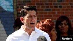 Chủ tịch Hạ viện Mỹ Paul Ryan phát biểu trước các phóng viên trong một sự kiện thảo luận về kế hoạch chống đói nghèo của Đảng Cộng hòa tại Washington, ngày 07 tháng 6 năm 2016.