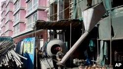 Một trong các thách thức lớn trước mắt của Trung Quốc là bong bóng nhà đất bắt đầu bị vỡ.