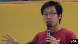 社民連內務副主席黃浩銘表示,可以透過全民修憲運動,修改出有港人授權的基本法版本。(美國之音湯惠芸拍攝)