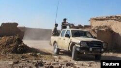 نظامیان افغان حدود یک ماه پیش ولسوالی سرحدی خانشین را از کنترول طالبان خارج کرده بودند.