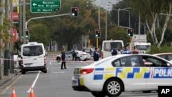 新西兰克莱斯特彻奇(又译基督城) 警察封锁发生枪击案的一座清真寺附近的道路(2019年3月15日)