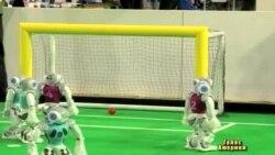 Роботи-футболісти переможуть людей у 2050-му