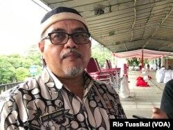 Kepala Bidang Konservasi dan Lingkungan dan Perubahan Iklim Dinas LH Jabar Asep R Lengkawa mengatakan bank sampah bisa dibiayai oleh dana desa. (VOA/Rio Tuasikal)